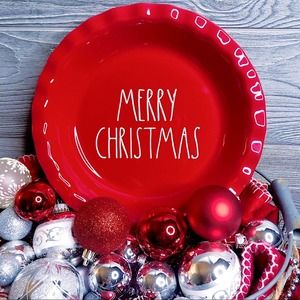 """Rae Dunn MERRY CHRISTMAS 11"""" pie plate red NEW"""
